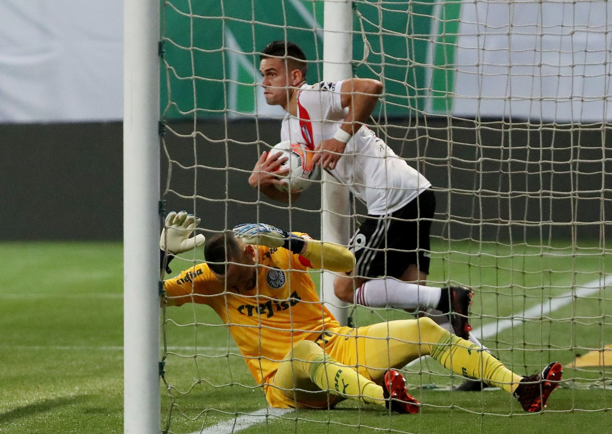 River Plate se queda cerca de la remontada ante Palmeiras ...